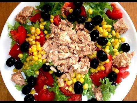 Яркий салат с консервированным тунцом