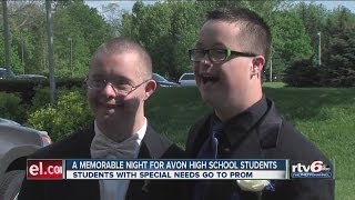Two Avon High School students have unforgettable prom