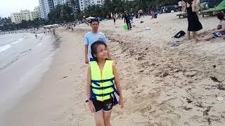 28.03.19 Северный пляж Нячанга. Море принесло водоросли.
