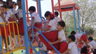 preview picture of video 'Sparkles school students one day picnic from JDP Eco Garden Gulbarga'