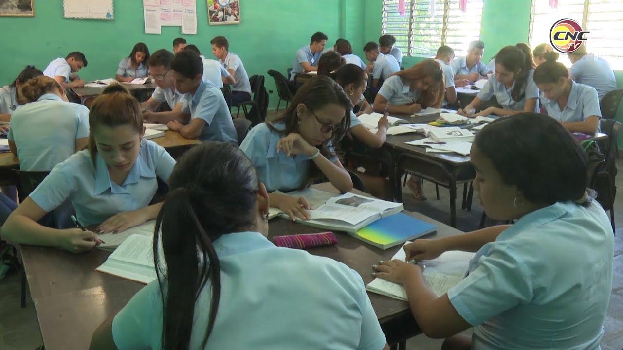 Intensifican preparación para exámenes de ingreso a la universidad en preuniversitario de Jiguaní