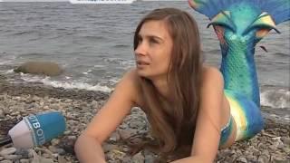 Без комментариев. Девушка с хвостом русалки шокирует отдыхающих на пляжах Владивостока