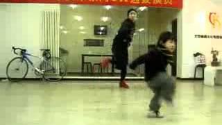 Malqchik klassno tancuet
