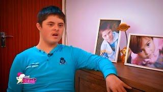 Alexandru Ștefan, un puști de 13 ani, iubitor de artă, suferă de sindromul Down