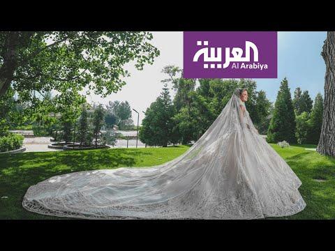 العرب اليوم - شاهد: إيلي صعب يحول كنته إلى ملكة بتصاميمه المميزة