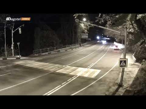 Аварией закончились гонки устроенные водителями в Дагомысе