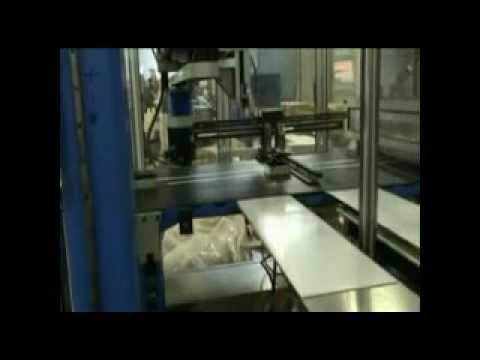 immagine di anteprima del video: Linea per scatole piccole con pinza tradizionale