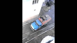 Меткий парень попал прямо в цель - Видео онлайн