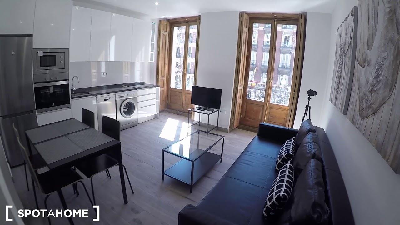 Stylish studio apartment for rent in Trafalgar