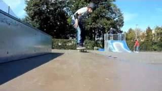 preview picture of video 'Thomas skate septembre 2010 à Sèvres'