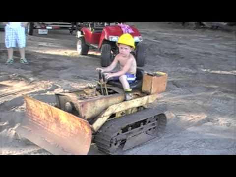 Struck Mini Bulldozer