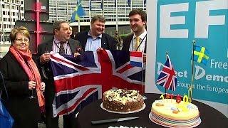 Британские депутаты Европарламента отмечают начало статьи 50