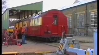 preview picture of video 'Shunting standard stock cars 1789 and 7281 around Acton works Dec 1991 A film by Fred Ivey'