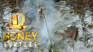 Honey Hunting in Nepal || Scaring Documentary