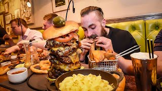 THE UNDEFEATED MONSTER MAC & CHEESE BURGER CHALLENGE   C.O.B Ep.55 - Video Youtube