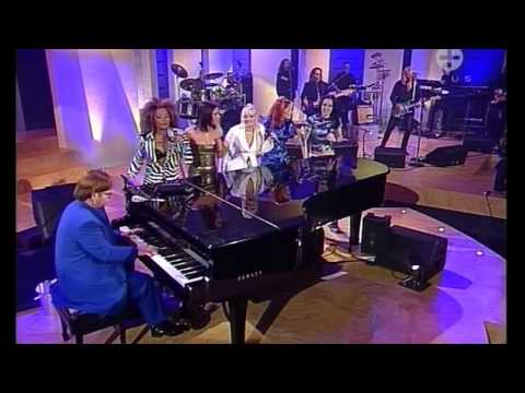 Spice Girls & Elton John Dont Go Breaking My Heart Live (HD)