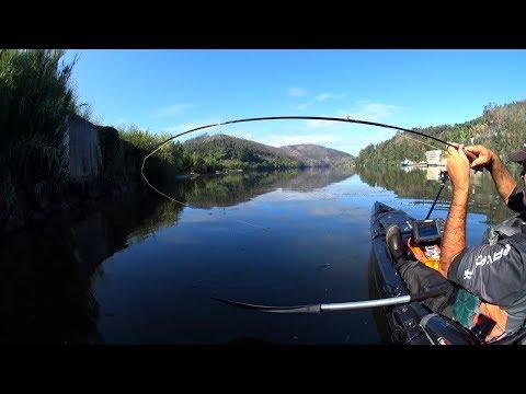 La pesca su rete Ob nellinverno di video