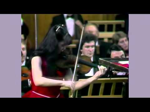 AKIKO SUWANAI(諏訪内晶子)1990 「The Violin Concerto in D major, Op. 35」