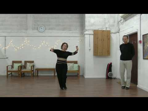 שיעור בריקודים סלוניים למתחילים: פוקסטרוט