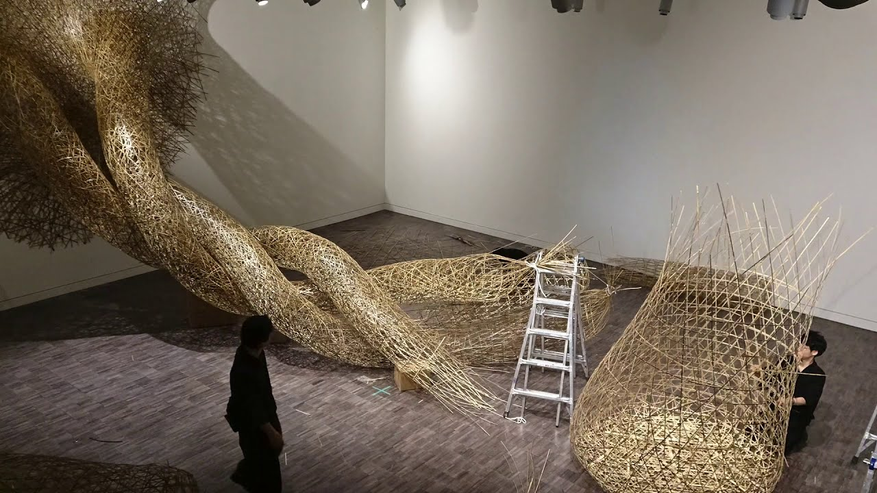 art installation of japanese bamboo art time lapse by tanabe chikuunsai