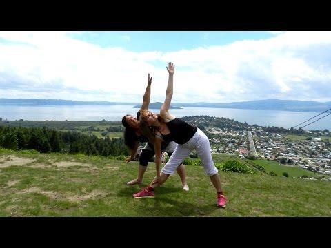 Урок йоги из Новой Зеландии накануне Нового 2015 года