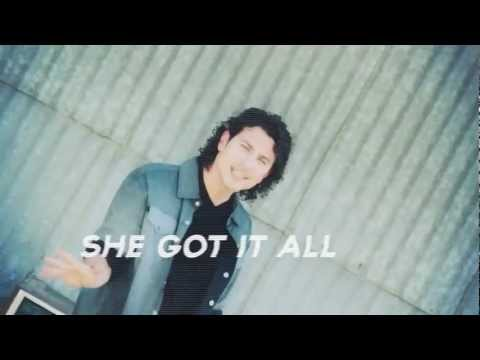Sizzle - She Got It music video