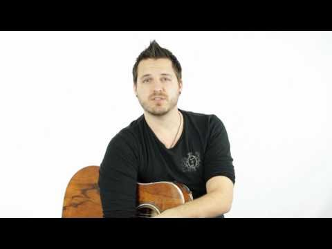 How to Play a B Major Bar Chord on Guitar (7th Fret)