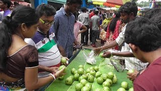 Street Food India Kolkata   People Eating Healthy Fruit Guava (Pyara)   Best Selling Fruit in India