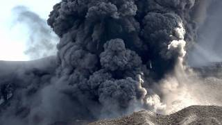 Eyjafjallajökull 2010 eruption (HD)