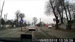 preview picture of video 'Hondą Civic po chodniku'