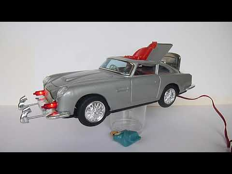M101 Aston Martin 007 James Bond remote control battery operated car