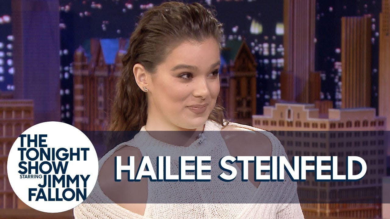 Hailee Steinfeld Totally Takes Credit for Setting Up Sophie Turner and Joe Jonas thumbnail