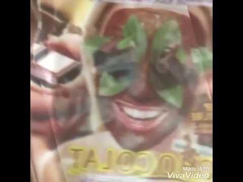 Le masque pour la personne avec les algues sèches