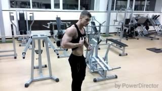 Aesthetic bodybuilding/ Ivan Savinov позирование