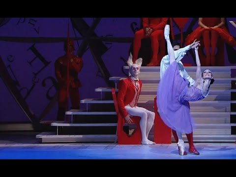 Alice's Adventures in Wonderland – Knave of Hearts Pas de deux (The Royal Ballet)