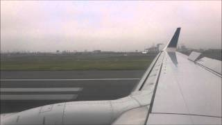 United Airlines Boeing 737-900 Landing at EWR