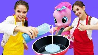 Блинный челлендж с Литл Пони! Смешные видео для детей