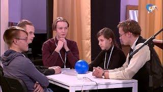 В Доме молодежи прошел финальный этап чемпионата Новгородской области по игре «Что? Где? Когда?»