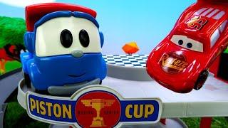 Spielzeugvideo für Kinder auf Deutsch - Leo und seine Freunde – Ein Parkhaus für McQueen