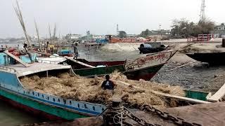 preview picture of video 'সুন্দরবন ভ্রমণ: লঞ্চে উঠার অাগে একটু ফাজলামি'