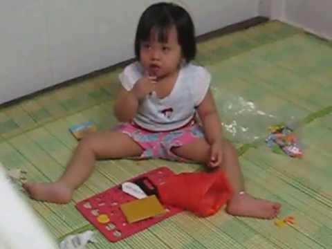 Pé 2 tuổi hát xuân xuân ơi đã về