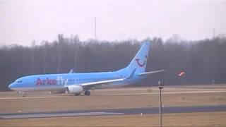 preview picture of video 'Eindhoven Airport Arkefly PH-TFD Boeing 737-86NW'