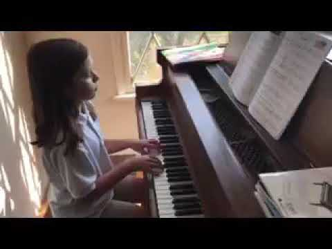 """Alice plays """"Dance and Variation"""" by Jean Hotteterre."""