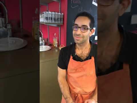 LA PLACE DU VILLAGE:depuis la « boulangerie épicerie salon de thé » Paccard à Cusy (74),