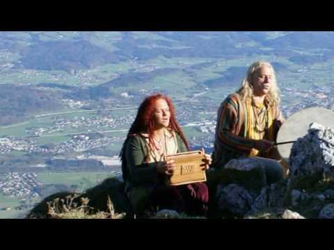 """Sandy & Chris Mantra  """"Lieber Himmel öffne mir die Tür...)"""