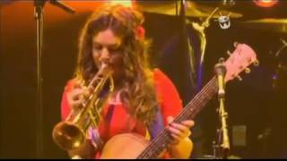 Julia Stone Live -  Private Lawns (2010)