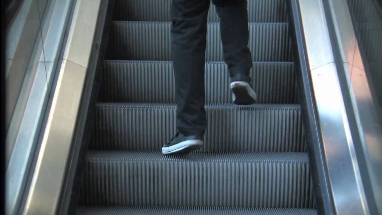 Step By Step a non-sense escalator animation by Misterkama