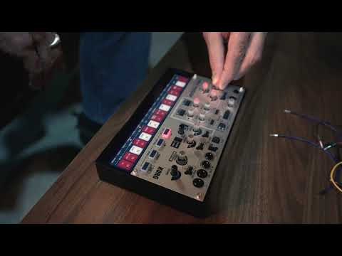 Francis Preve with the volca modular NAMM19