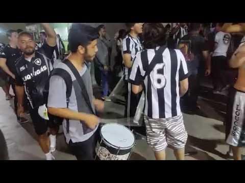 """""""Estou contigo na alegria e na dor - A Barra do Glorioso"""" Barra: Loucos pelo Botafogo • Club: Botafogo"""