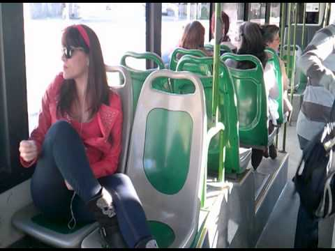 GladyS RockinG and TreS GatoS in the Bus[en el Autobus]cover Tainted Love. Ed Cobb